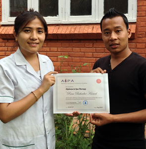 aipa-student-with-certificate